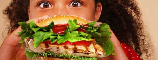 Più asma e congiuntiviti con hamburger e patatine
