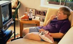 Ogni ora davanti la TV 2 chili in più